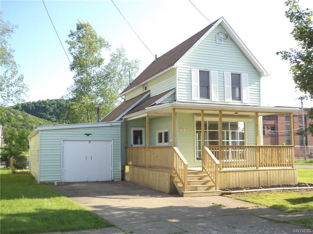 Photo of home for sale at 1409 Henley Street W, Olean-city NY
