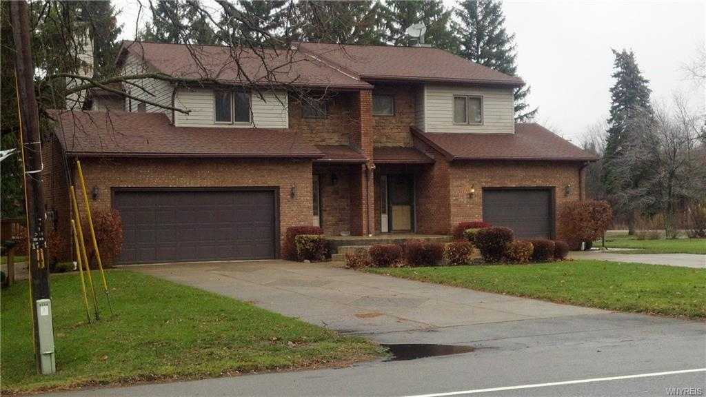 Photo of home for sale at 5570 Big Tree Road, Orchard Park NY