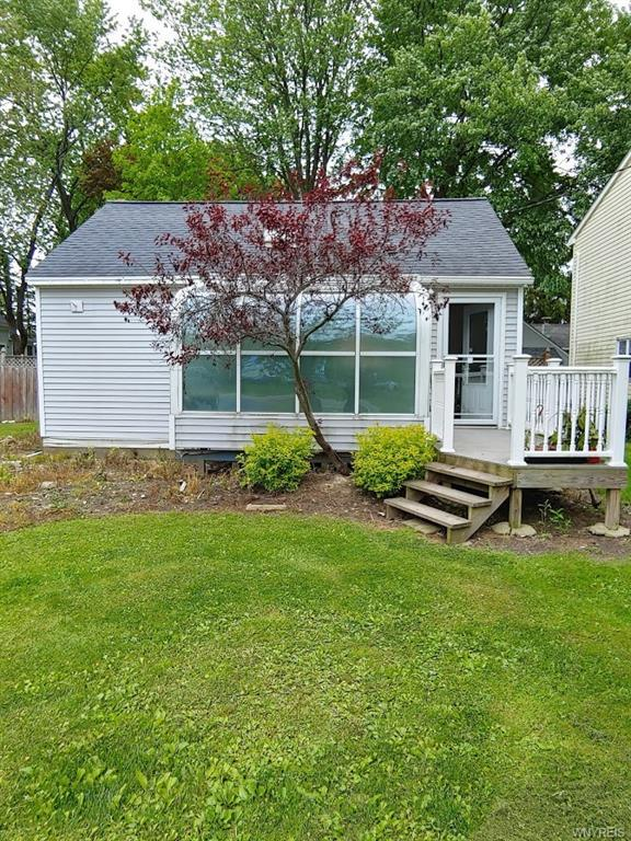 Photo of home for sale at 2465 Old Falls Boulevard, Wheatfield NY