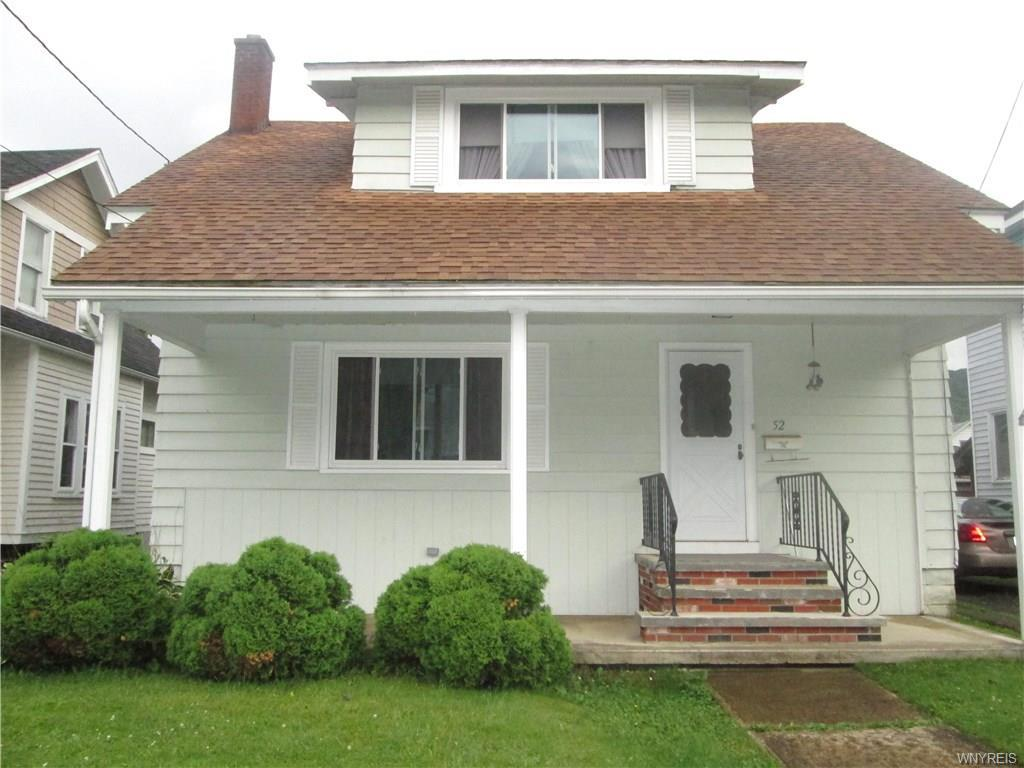 Photo of home for sale at 52 Franklin Street, Salamanca-city NY