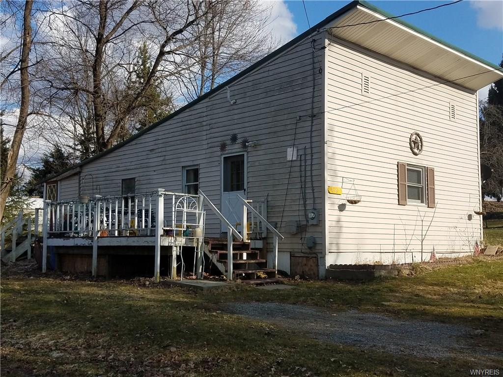 Photo of home for sale at 4369 Blossom Road, Castile NY