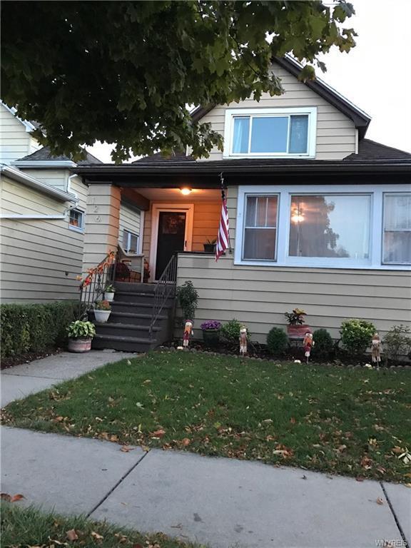 Photo of home for sale at 126 Palmer Avenue, Tonawanda-town NY
