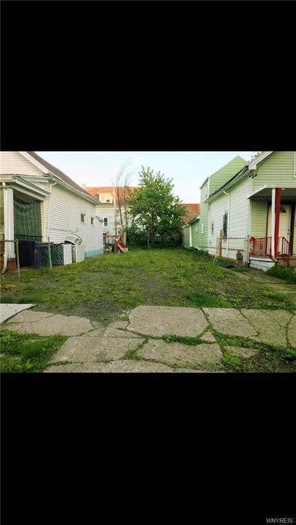 Photo of home for sale at 207 Vermont Street, Buffalo NY