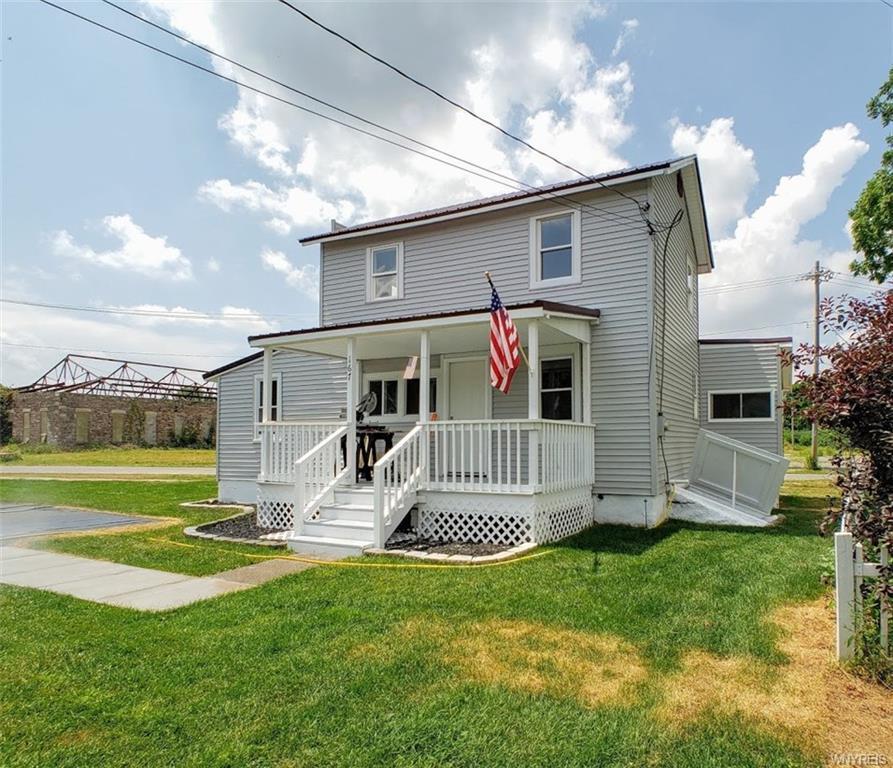 Photo of home for sale at 167 Glenwood Avenue, Ridgeway NY