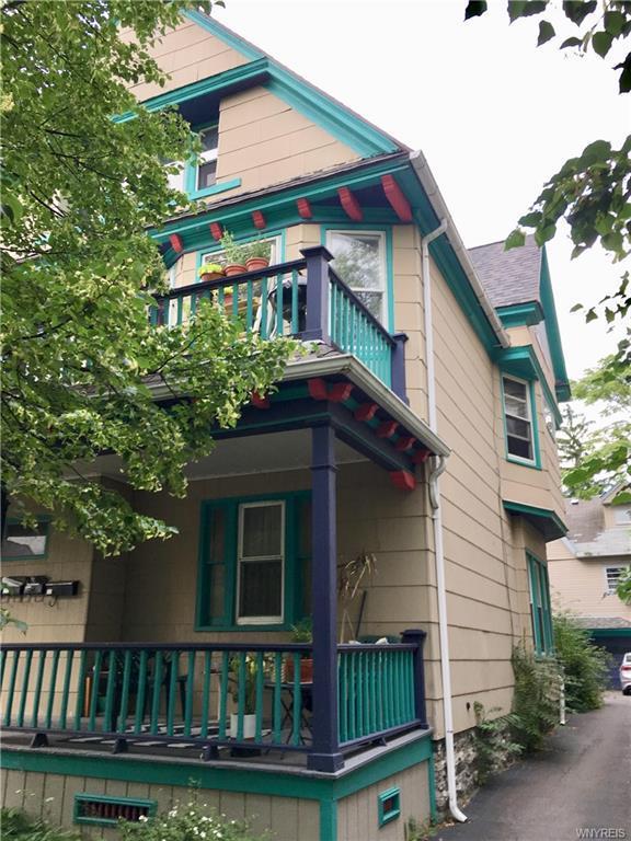 Photo of home for sale at 29 Livingston St Street, Buffalo NY