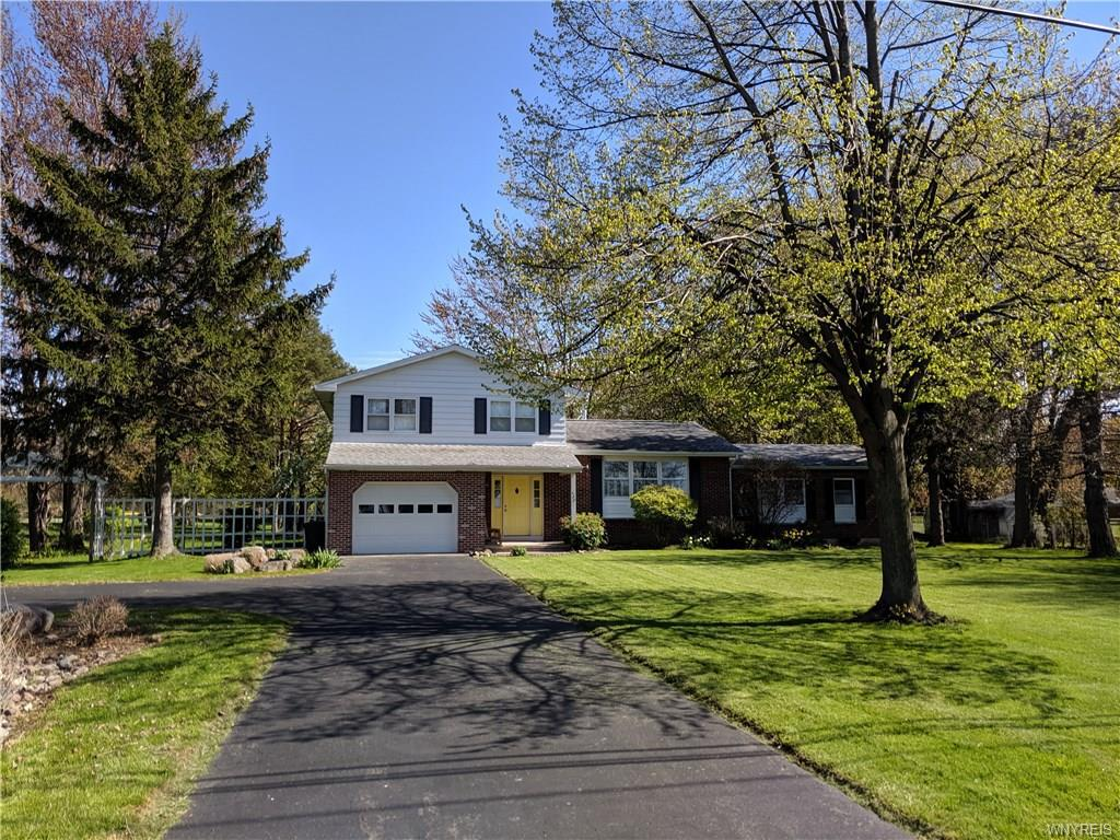 Photo of home for sale at 320 Ontario Street, Wilson NY