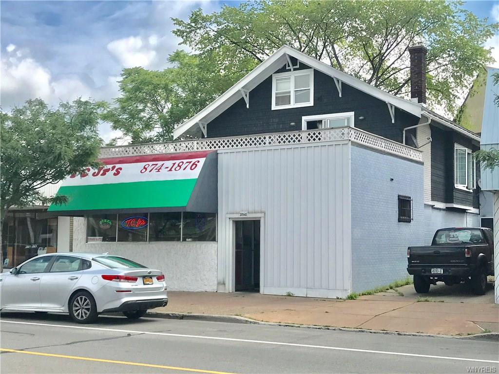 Photo of home for sale at 2941 Delaware Avenue, Tonawanda-town NY