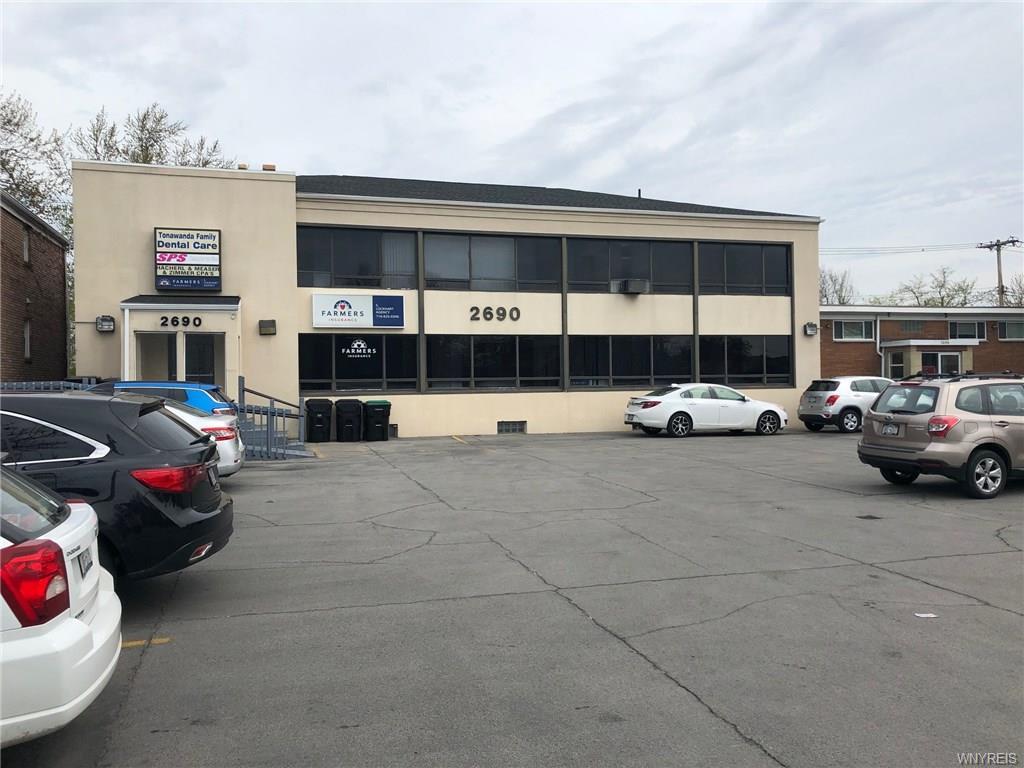 Photo of home for sale at 2690 Sheridan Drive, Tonawanda-town NY