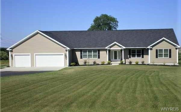 Photo of home for sale at 4648 Woods Road, Wales NY