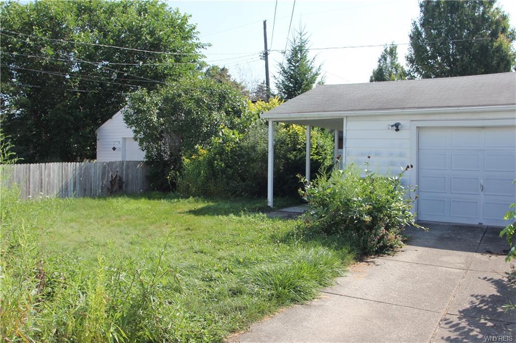 Photo of home for sale at 99 Pontiac Street S, Buffalo NY
