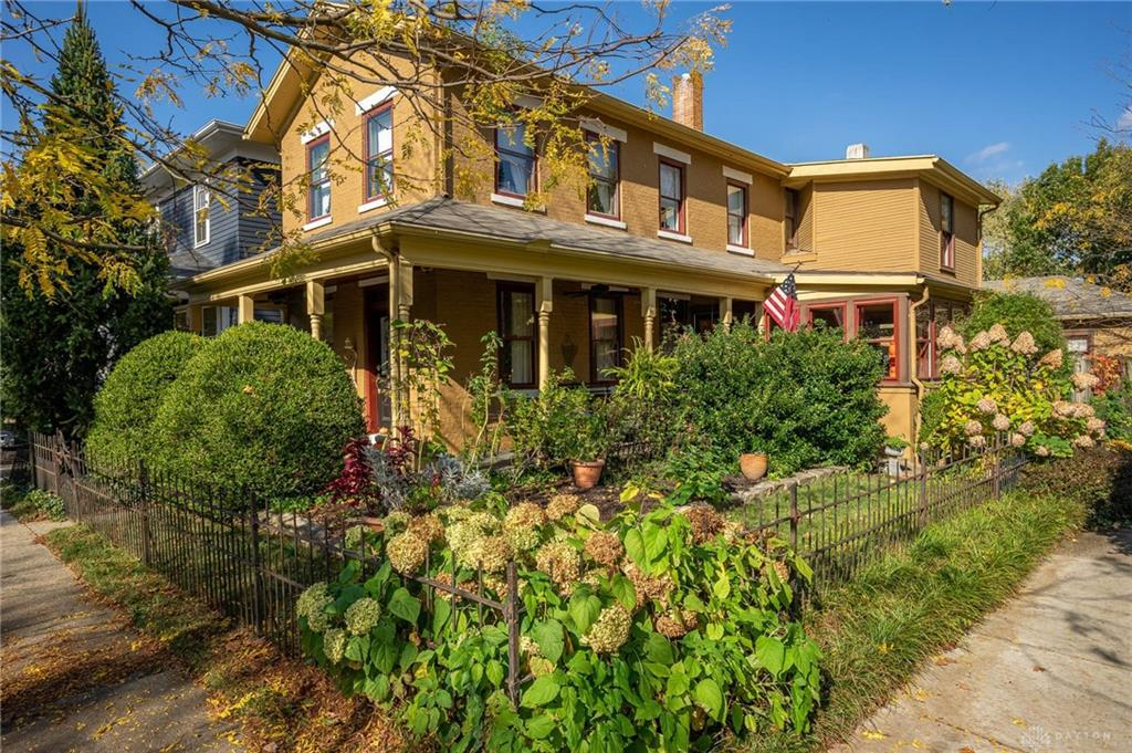 Photo of home for sale at 251 Green Street, Dayton OH