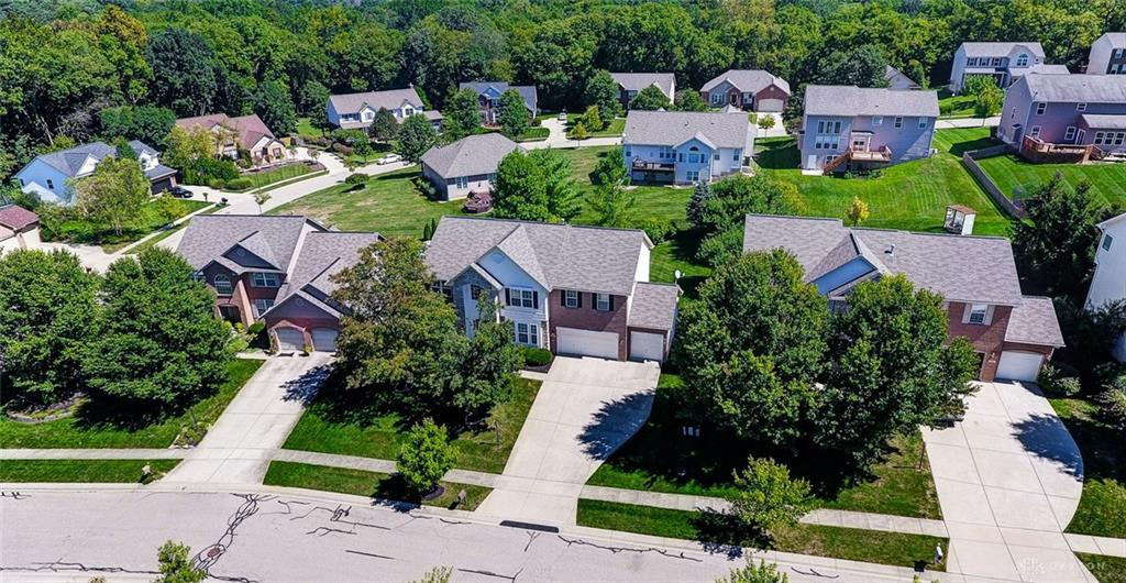 Photo of home for sale at 20 College Hill Terrace, Springboro OH