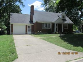 Property for sale at 136 Ridgeway Drive, Centerville,  Ohio 45459