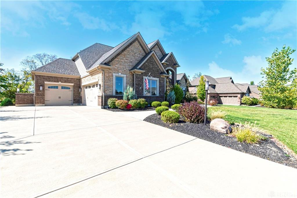 Photo of home for sale at 10995 Cold Spring Drive, Washington Twp OH