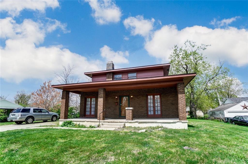 Photo of home for sale at 1411 Harvest Avenue, Dayton OH