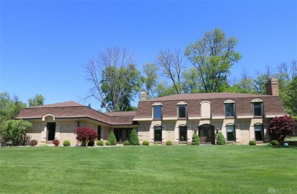 Photo of home for sale at 6116 Old Spanish Trail, Washington Twp OH