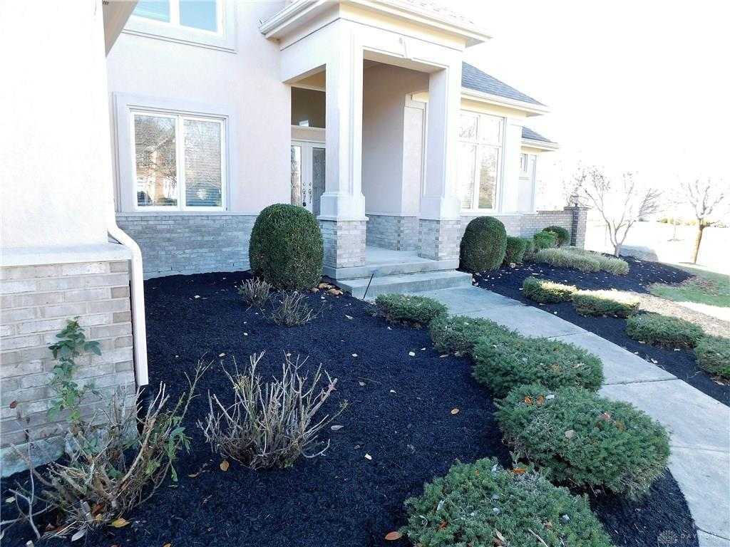 Photo of home for sale at 9730 Tibbals Court, Centerville OH