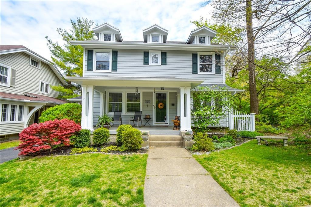 Photo of home for sale at 318 Oakwood Avenue, Dayton OH