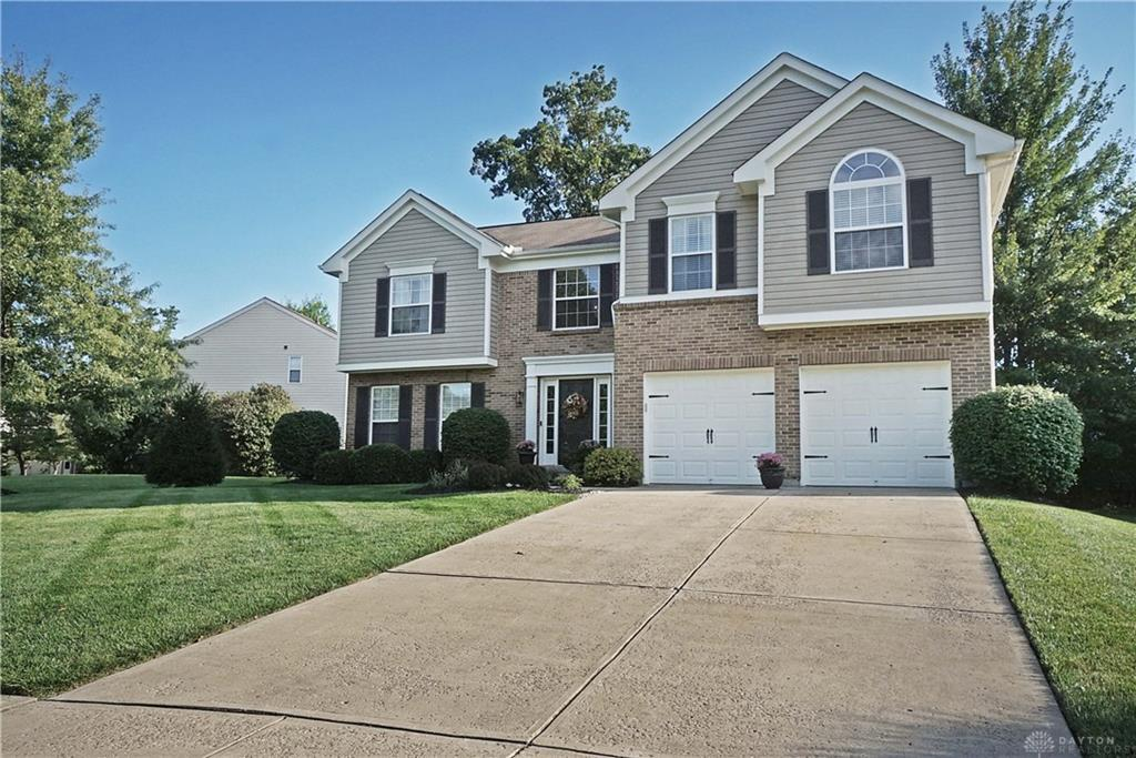 Photo of home for sale at 6393 Pickering Grove, Morrow OH