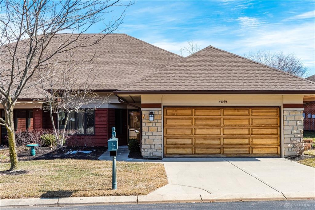 Photo of home for sale at 4649 Elysian Way, Dayton OH
