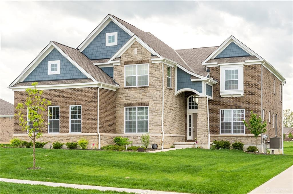Photo of home for sale at 2011 Stonewater Drive, Washington Twp OH