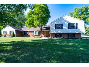 Property for sale at 311 Lake Tree Court, Centerville,  Ohio 45459