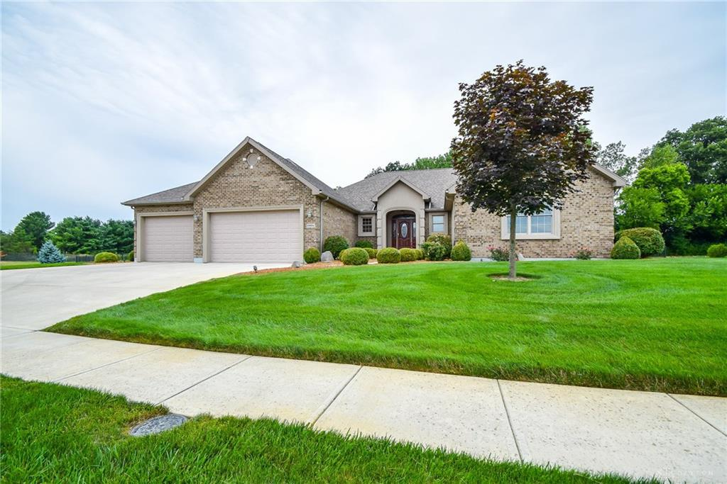 Photo of home for sale at 2801 Stonebridge Drive, Troy OH