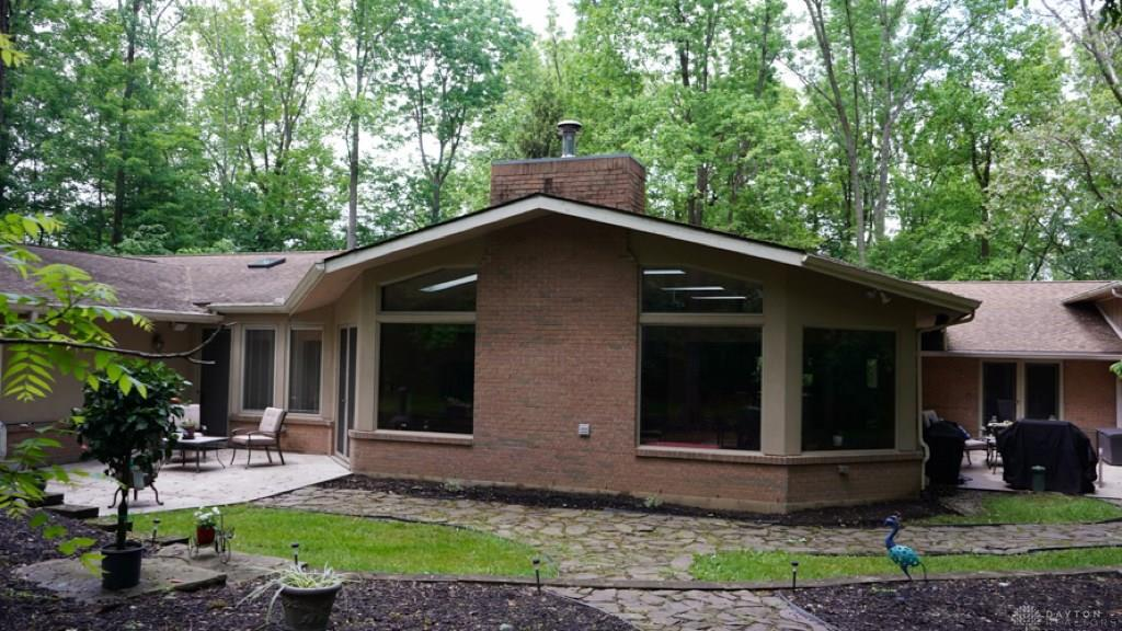 Photo of home for sale at 2780 Spring Valley Pike, Washington Twp OH