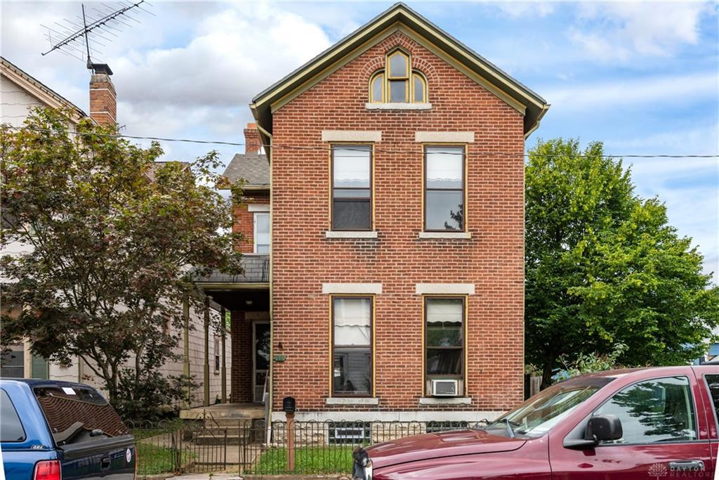 Photo of home for sale at 25 Perrine Street, Dayton OH