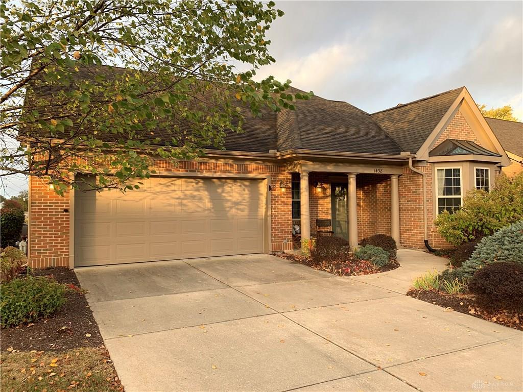 Photo of home for sale at 1438 Yankee Commons Trail, Centerville OH