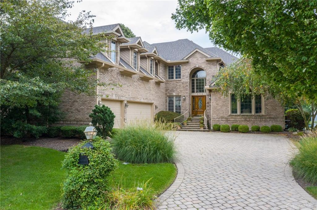 Photo of home for sale at 5710 Stone Lake Drive, Centerville OH
