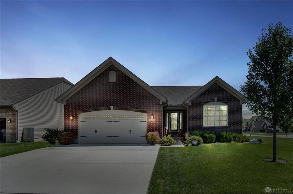 Photo of home for sale at 6058 Blackford Way, Tipp City OH