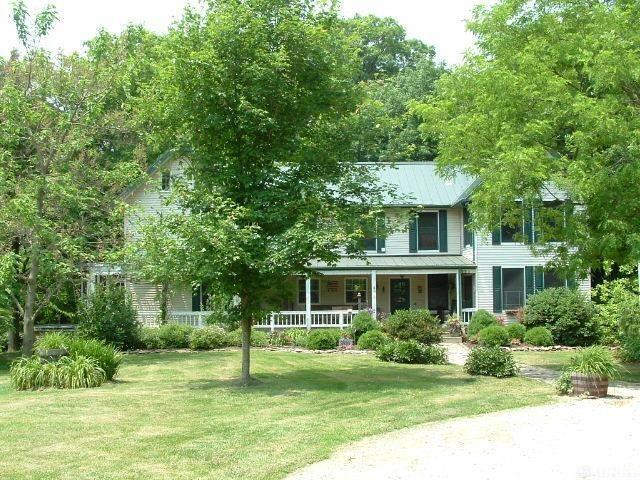 Photo of home for sale at 3764 Mason Morrow Millgrove Road, Morrow OH