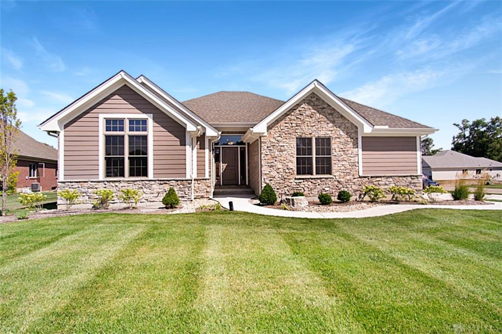 Photo of home for sale at 1731 Country Corner Lane, Washington Twp OH