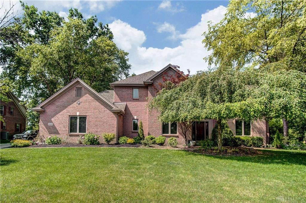 Photo of home for sale at 10609 Willow Brook Road, Dayton OH