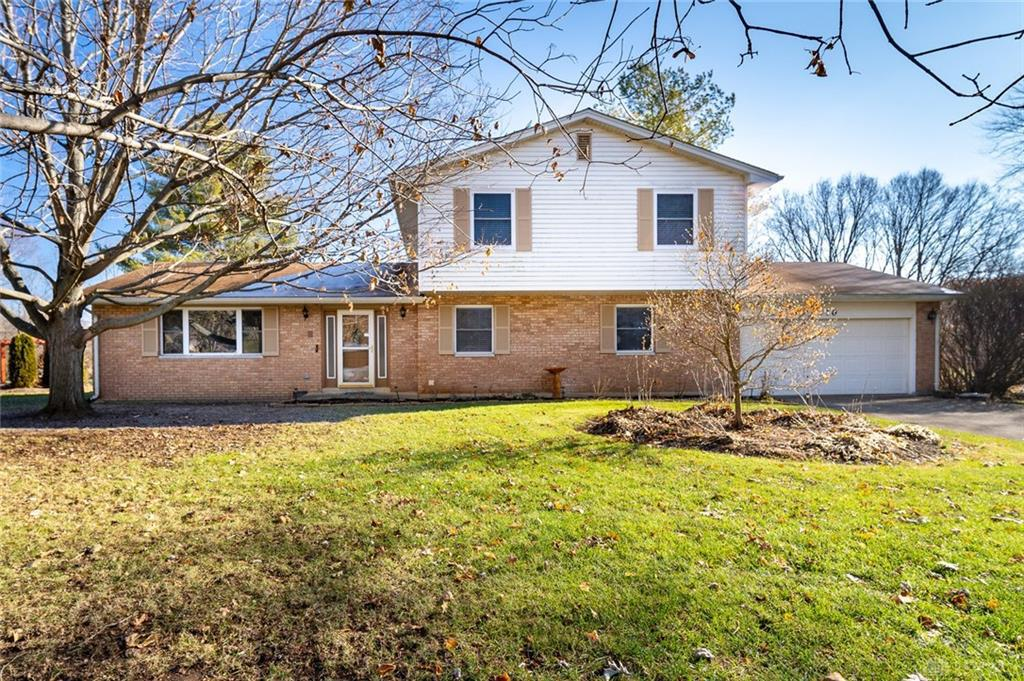 Photo of home for sale at 710 Carlsbrook Drive, Beavercreek OH