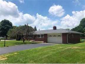 Property for sale at 449 Crestview Drive, Lebanon,  Ohio 45036