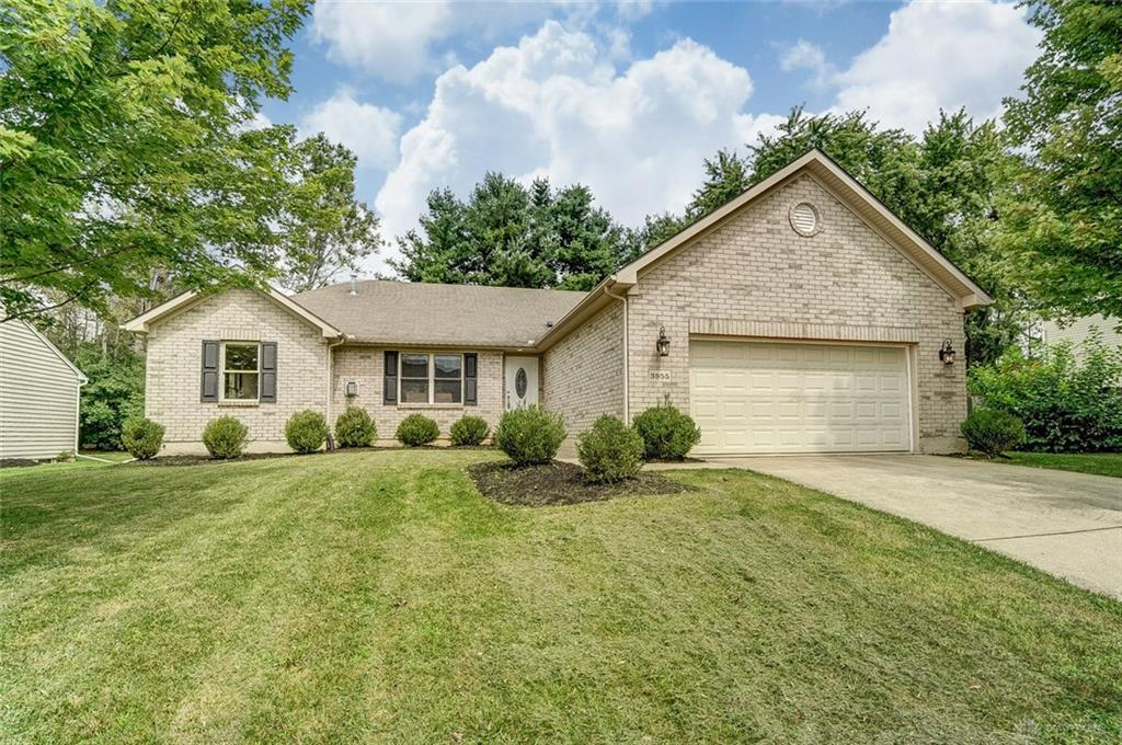 Photo of home for sale at 3955 Berrywood Drive, Dayton OH