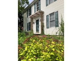 Property for sale at 285 Kingsfield Court, Yellow Springs Vlg,  Ohio 45387