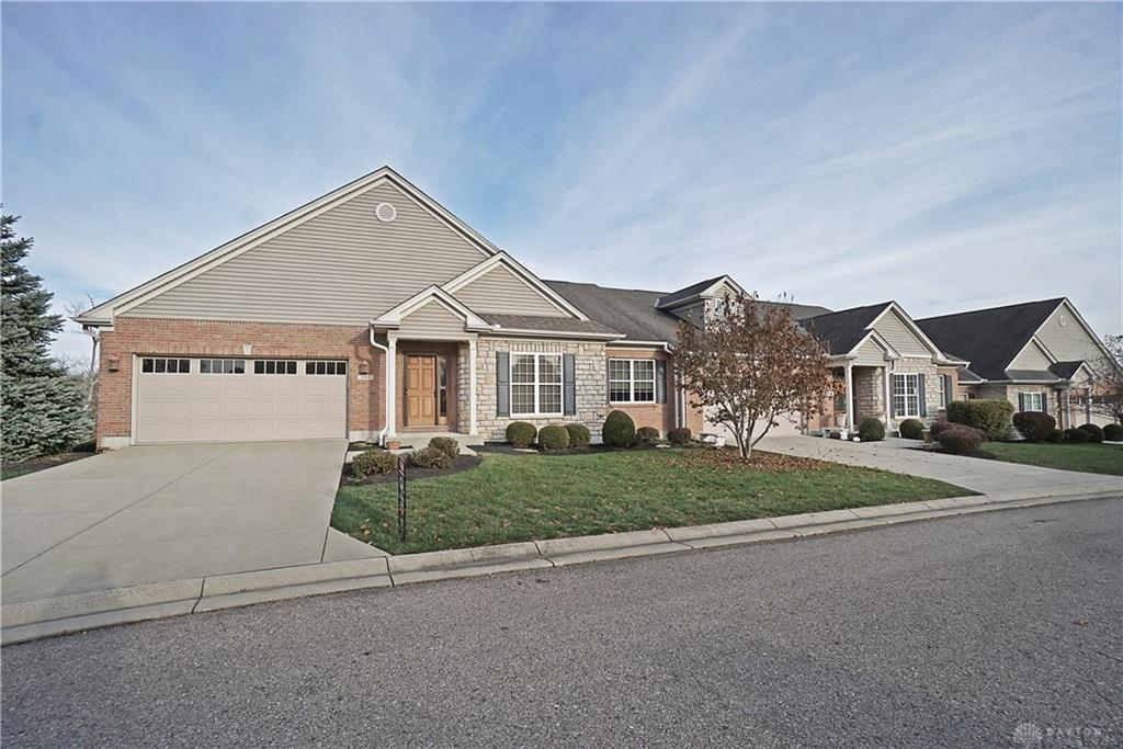 Photo of home for sale at 393 Overlook Trail, Lebanon OH