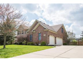 Property for sale at 821 Sycamore Woods Drive, Tipp City,  Ohio 45371