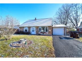 Property for sale at 126 Mccraw Drive, Englewood,  Ohio 45322