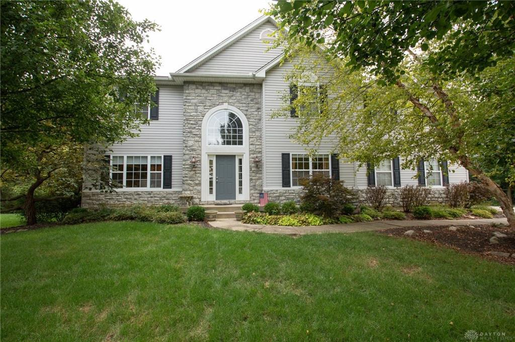 Photo of home for sale at 8742 Scarlet Ridge Drive, Washington Twp OH