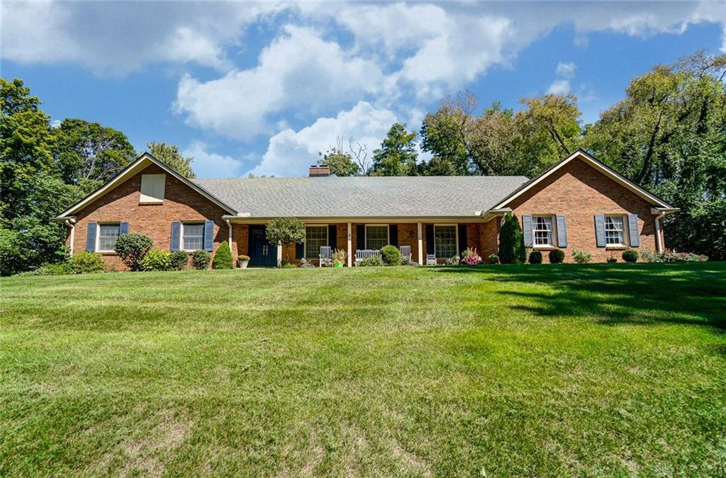 Photo of home for sale at 1314 Glen Jean Court, Washington Twp OH
