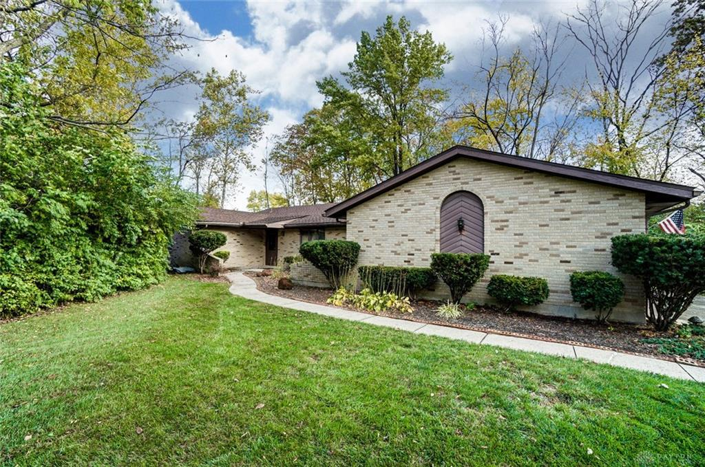 Photo of home for sale at 7310 Gem Court, Dayton OH