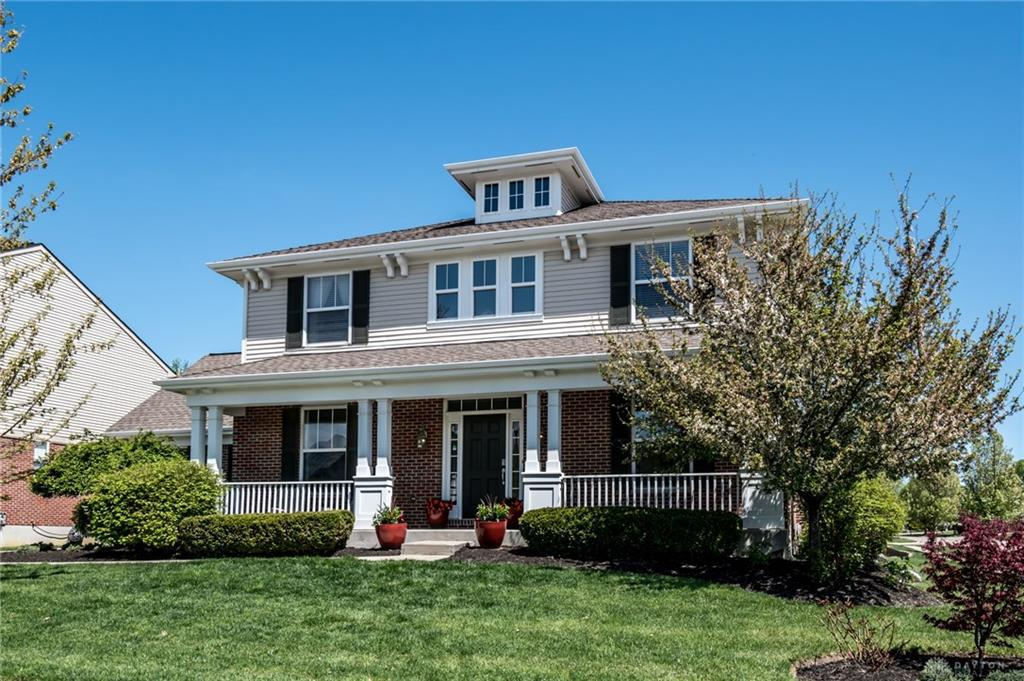 Photo of home for sale at 1494 Shaker Run Boulevard, Lebanon OH