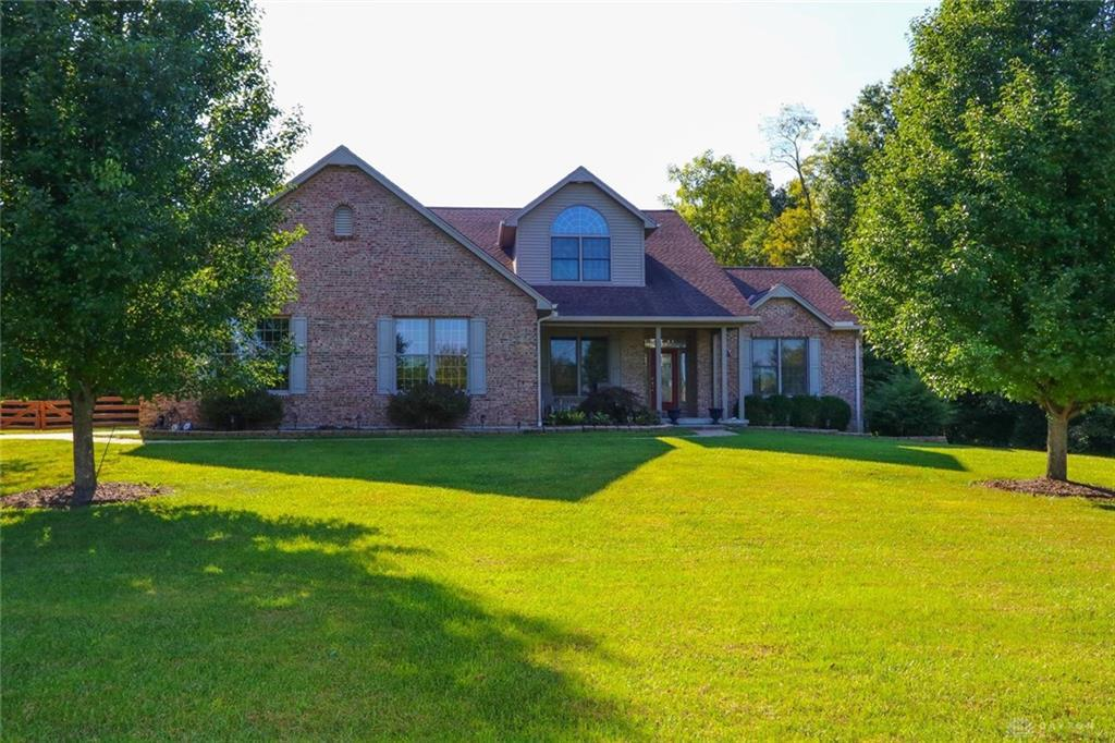 Photo of home for sale at 4516 Concord Meadow Lane, Williamsburg OH