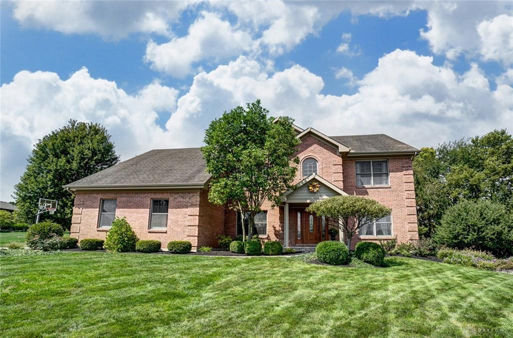 Photo of home for sale at 1365 Chelsea Court, Beavercreek OH