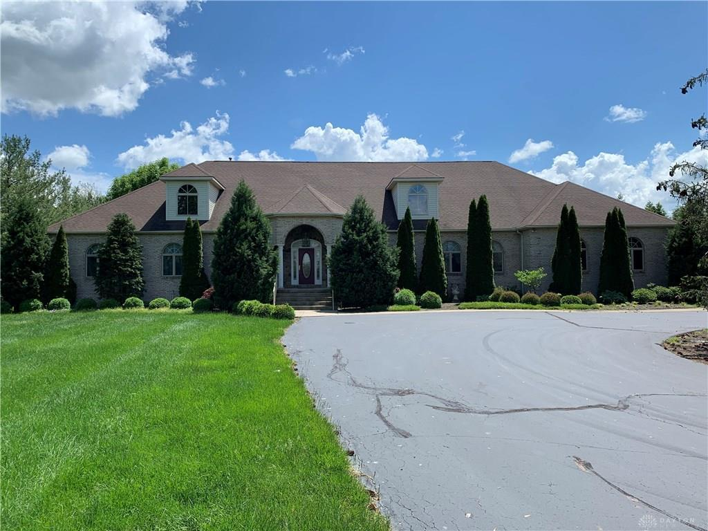Photo of home for sale at 1054 Spring Valley Pike, Centerville OH