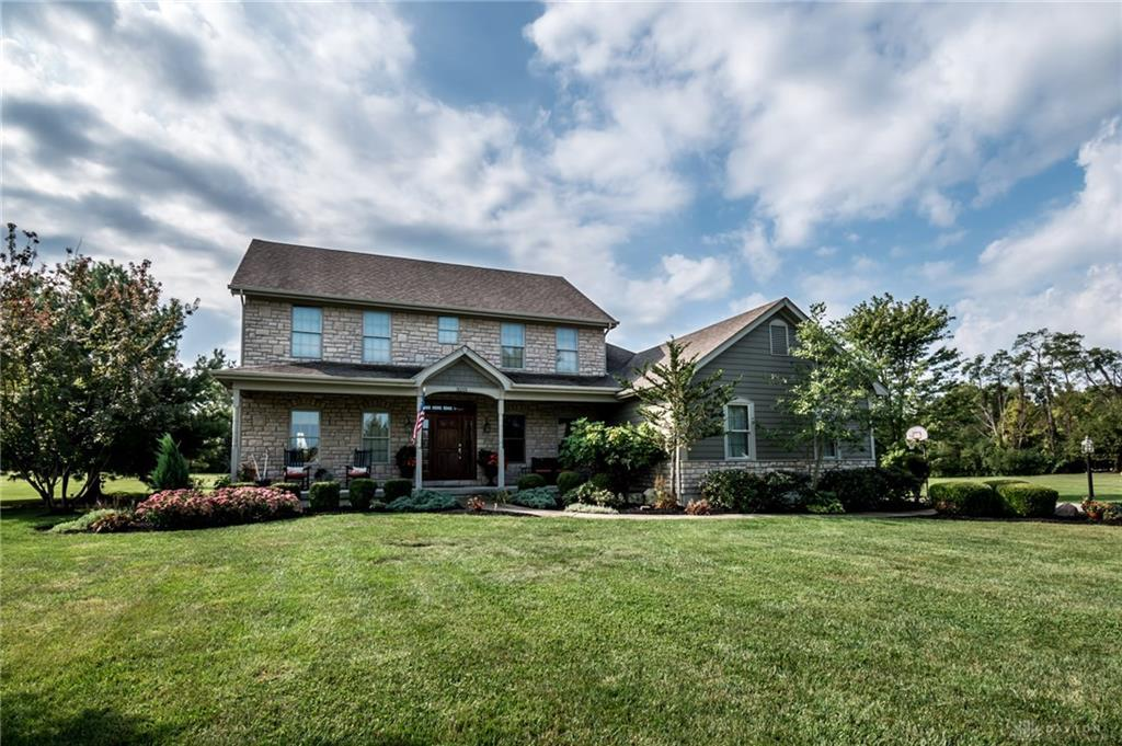Photo of home for sale at 3215 Golden Fox Trail, Turtlecreek Twp OH